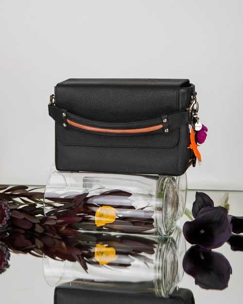 CUBE-AZUMA-Bag-black-&-flower